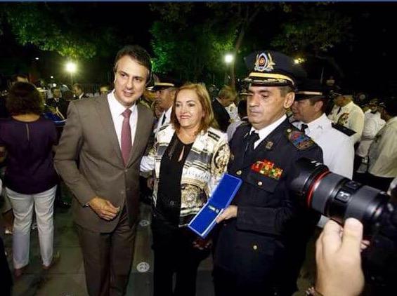 "Delegada Ana Lúcia recebe medalha ""José Martiniano de Alencar"""