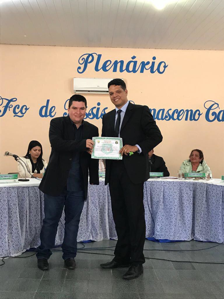 "Delegado Eduardo Rocha recebe título de ""Cidadão Chavalense"""