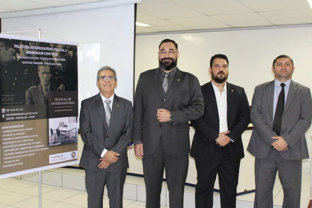"""Livro """"Técnicas de Interrogatório, aplicações no contexto policial"""" é lançado na sede da Adepol/CE"""